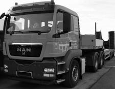 MAN tractor unit with semitrailer TGS26.540